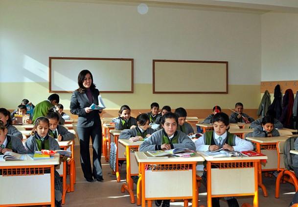 8.Sırada 2000 Türkçe Öğretmeni